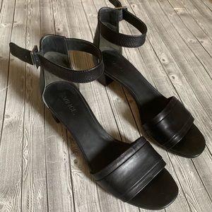 Vince Raine City Leather Block Sandal